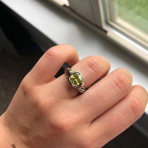 🦋 Beautiful Green Ring • Size 6.5
